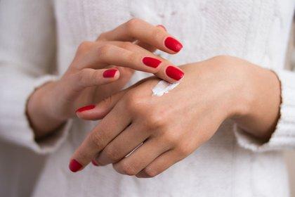 Cómo humectar las manos ahora que usamos tanto alcohol en gel (Shutterstock)