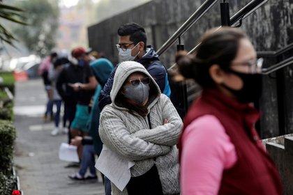 Al día ingresan al menos 271 personas en los hospitales del Valle de México. (Foto: Reuters)