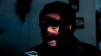 """""""Soy un hombre que cambió las sombras por la luz"""", confiesa."""
