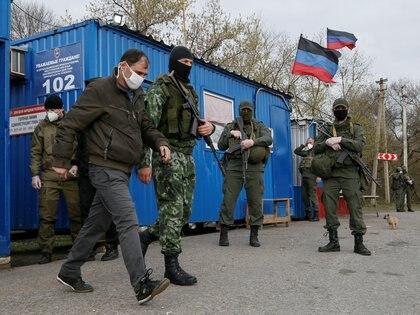 Con sus votos Cuba apoyó a los grupos armados ilegales respaldados por Rusia en la crisis de Ucrania (REUTERS/Alexander Ermochenko)