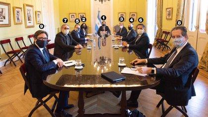 Santiago Cafiero (1), Cecilia Todesca Bocco (2), Felipe Solá (3), Martín Guzmán (4), Matías Kulfas (5), Juan Cabandié (6), Luis Basterra (7), Miguel Pesce (8) y Christian Asinelli (9)