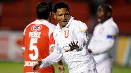 Cheme disputó la Recopa Sudamericana bajo el nombre del Gonzalo Chila (Reuters)