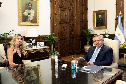 Virginia Staricco junto al presidente argentino Alberto Fernández
