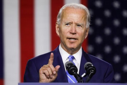 FILE PHOTO: Democratic U.S. presidential candidate and former Vice President Joe Biden speaks during a campaign event in Wilmington, Delaware, U.S., July 14, 2020. REUTERS/Leah Millis/File Photo