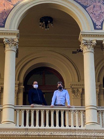 Juan Pablo Biondi con Cristian Coelho en la Casa Rosada