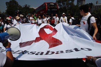 Portadores del Virus de Inmunodeficiencia Humana (VIH) se manifestaron en Paseo de la Reforma en demanda de medicamentos hace unas semanas (Foto: Cuartoscuro)