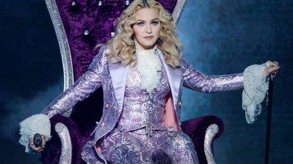 Madonna es conocida como la reina del pop o la chica material