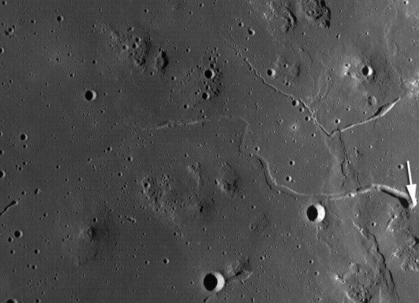 La cueva de 50 kilómetros de largo se encuentra en las llamadas Colinas Marius, en la Luna (NASA)