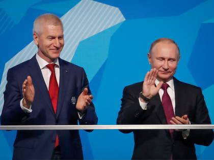 Oleg Matytsin, ministro de Deportes de Rusia, junto a Vladimir Putin (REUTERS)