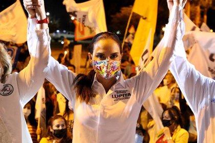 Lupita Jones aceptó que su carrera nunca se ha inclinado por la política, pero dice tener claras sus metas (Foto: Twitter / @LupJonesof)
