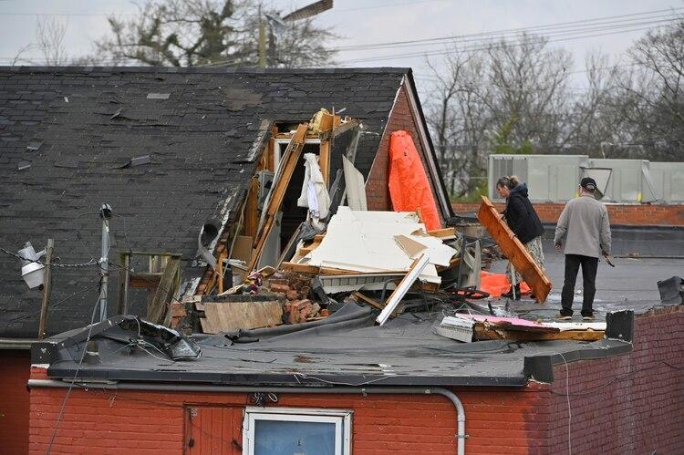 Una vivienda destruida por el paso de los tornados (REUTERS/Harrison McClary)