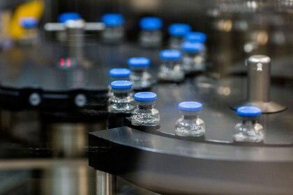 FOTO DE ARCHIVO: Viales de remdesivir, un medicamento utilizado para el tratamiento del coronavirus (COVID-19), en las instalaciones de Gilead Sciences en La Verne, California, EEUU, el 18 de marzo, 2020. Gilead Sciences Inc/Handout via REUTERS.