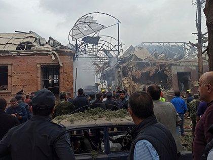 Un edificio destruido en Ganja, Azerbaiyán (Ministerio de Defensa de Azerbaiyán via REUTERS)