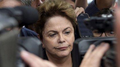 Dilma Rousseff no logró ser elegida en el Senado brasileño (Reuters)