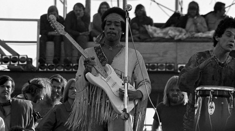 """""""Ustedes han probado al mundo de lo que somos capaces con un poco de amor, entendimiento y música"""", dijo Jimi Hendrix al cerrar el festival (Peter Tarnoff/Mediapunch/Shutterstock)"""