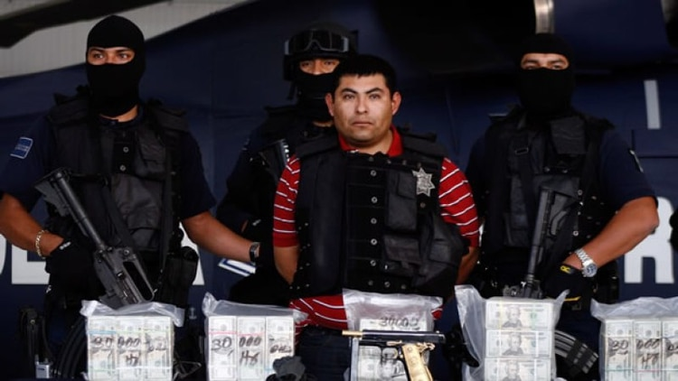 """Entre 2006 y 2012, el gobierno de Felipe Calderón golpeó fuertemente al Cártel de Los Zetas, con la detención de la mayoría de sus líderes. Aquí """"El Hummer"""", sentenciado a 35 años de prisión (Foto: Especial)"""