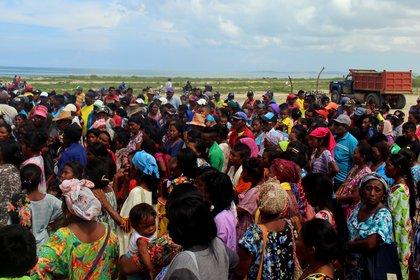 Mujeres en la ranchería Murujuy en la alta Guajira, una de las más afectadas por la violencia entre clanes en el departamento (Colombia). EFE/Hugo Penso/Archivo