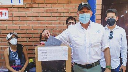 Luis Fernando López ministro de Defensa de Bolivia (Facebook)