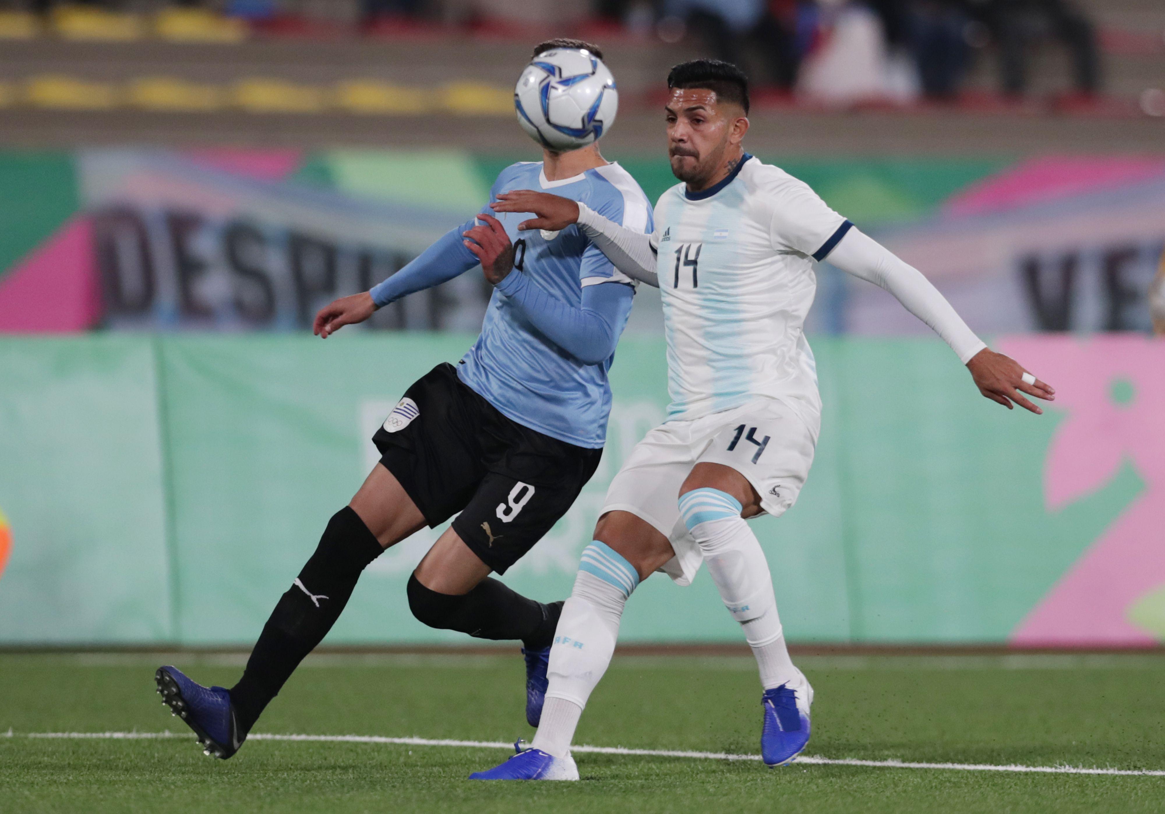 Facundo Medina fue protagonista de la selección argentina que ganó el oro en los Juegos Panamericanos de Lima 2019 (EUTERS/Guadalupe Pardo)