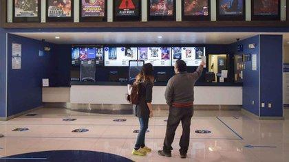 Los cines son una de las pocas actividades que siguen cerradas desde marzo pasado