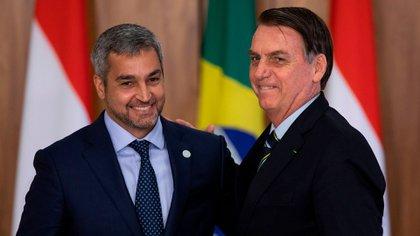 Mario Abdo y el presidente de Brasil, Jair Bolsonaro
