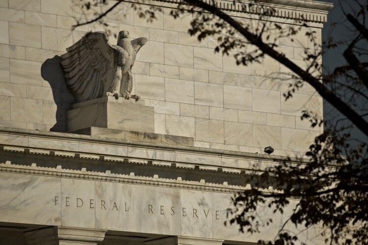 Cada vez es más fuerte el rumor de que la Reserva Federal estadounidense recortará su tasa de interés (Foto:Bloomberg/Andrew Harrer)