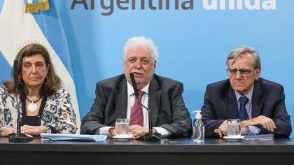 El ministro de Salud de la Nación, Ginés González García, anunció este martes que, tras pasar más de 12 semanas sin casos de sarampión, se da por concluido el brote de esta enfermedad (Casa Rosada)