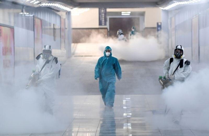Los brotes de enfermedades conocidas y desconocidas son inevitables, pero la magnitud de su impacto en la humanidad sí puede controlarse, según un experto estadounidense (cnsphoto via REUTERS)