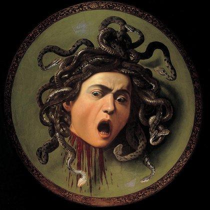 """""""Medusa"""", de Caravaggio, se exhibe en la Galería de los Uffizi, Florencia, Italia"""