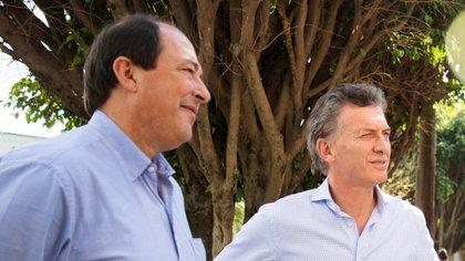 El ex senador de la UCR, junto al presidente Mauricio Macri (NA)