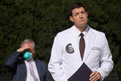 El médico personal de Trump, Sean Conley. Foto: REUTERS/Jonathan Ernst