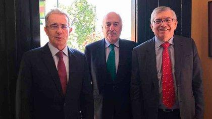 """""""Déjennos en paz"""": la crítica de Martin De Francisco al """"jefe de Duque"""" y los políticos colombianos"""