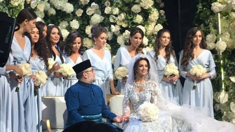 La boda secreta del rey y la ex Miss Moscú