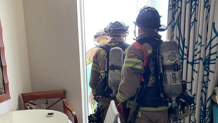 Un grupo de bomberos trabaja en el lugar (@morgancarlota)
