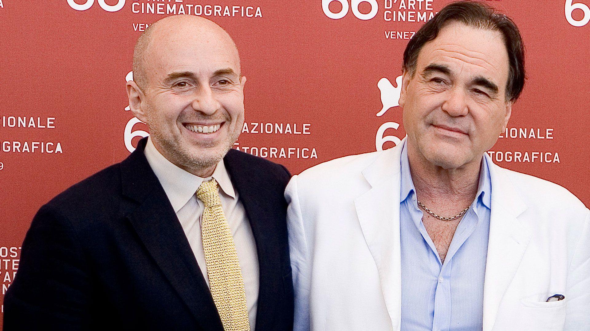 El productor argentino Fernando Sulichin trabajó junto a Oliver Stone.