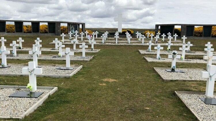 El CEO de Corporación América mandó a construir en 2004 el nuevo cementerio argentino en Malvinas