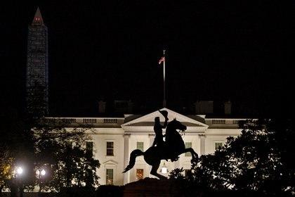 Estatua de Andrew Jackson en la Casa Blanca