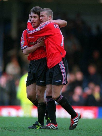 Beckham y Neville compartieron 10 temporadas en el Manchester United (Shutterstock)