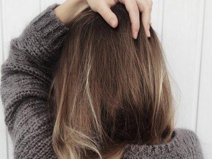 Científicos han comprobado que el estrés produce una hormona, corticosterona, que es responsable de la caída del cabello.