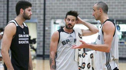 Nicolás Laprovittola junto a Manu Ginóbili y Patricio Garino en San Antonio Spurs