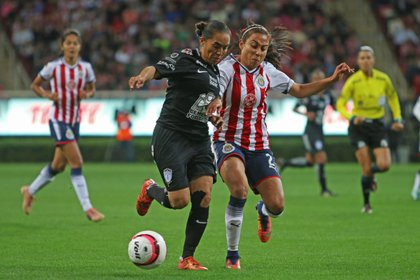 Los sueldos equitativos aún es uno de los temas más relevantes para el fútbol femenil a nivel mundial. (Foto: Cuartoscuro)