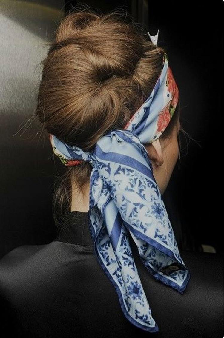 En la cabeza como vincha, lo ideal es que el pañuelo sea largo para toda la circunferencia