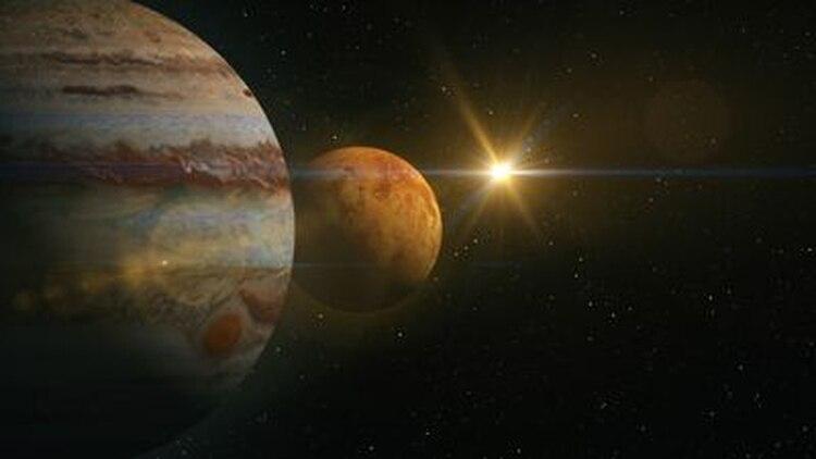 Si miramos al horizonte hacia la zona sudeste del cielo entre las 3 y 5 de la mañana podemos observar los tres planetas