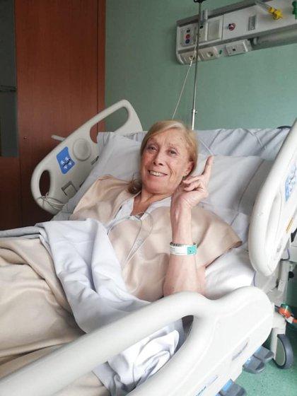 Sonriente: así la queríamos ver a Amelita Baltar luego del susto de estas horas (Facebook)