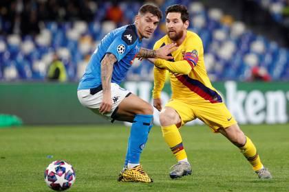 Napoli y Barcelona empataron 1-1 en el partido de ida de los octavos de final de la Champions League (REUTERS)