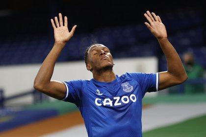 Premier League - Everton v Arsenal - Yerry Mina su gol REUTERS/Clive Brunskill