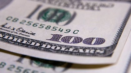 Entre jueves y viernes, el dólar futuro a fin de diciembre subió $1,15 a 65,50 pesos
