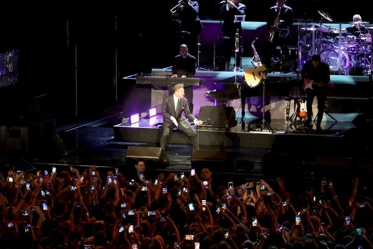 Una multitud disfrutó del show del cantante mexicano