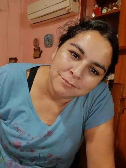 El 2 de marzo de 2019 la ex pareja de Vanesa Caro, y padre de sus cuatro hijos, la roció con alcohol y la prendió fuego. La mujer terminó con el 70% del cuerpo quemado: seis meses después, falleció