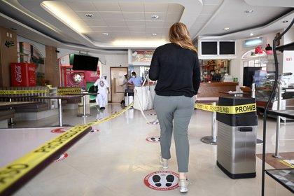 Centros comerciales abrirán al 30% de su capacidad. (Foto: AFP)